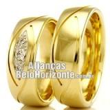 Alianças bh em ouro para casamento.